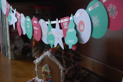 simple paper christmas garland