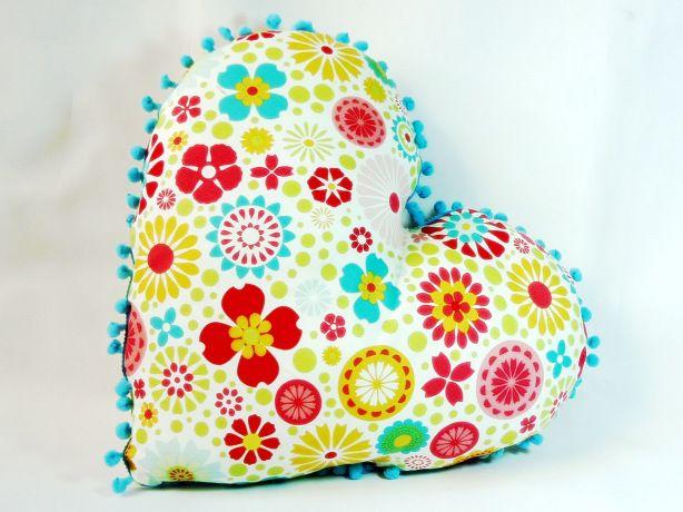 almofada coração floral