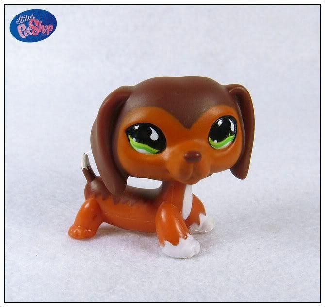 Littlest Pet Shop #675 caramel brown Dachshund