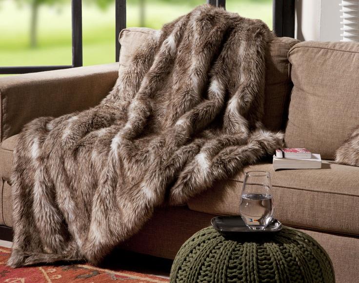 les 36 meilleures images propos de deco fourrure sur pinterest eames chalets et couvertures. Black Bedroom Furniture Sets. Home Design Ideas