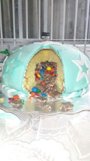Torta rellena con M&M