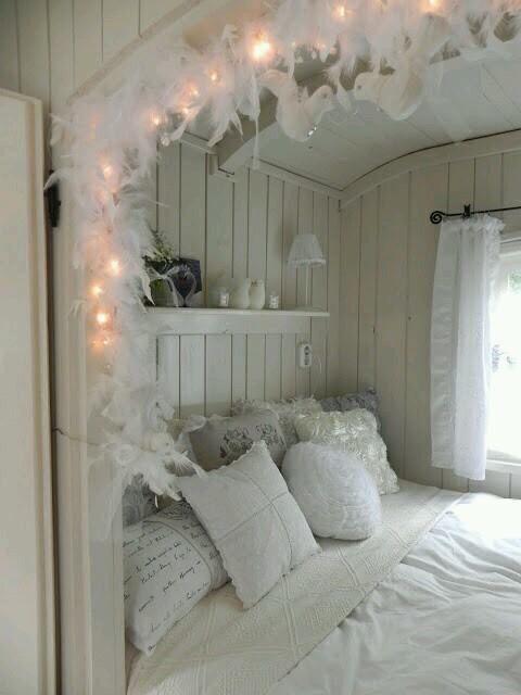 Plus de 1000 id es propos de idee deco chambre sur pinterest in quarto lits plateforme et ikea - Kamer deco idee ...