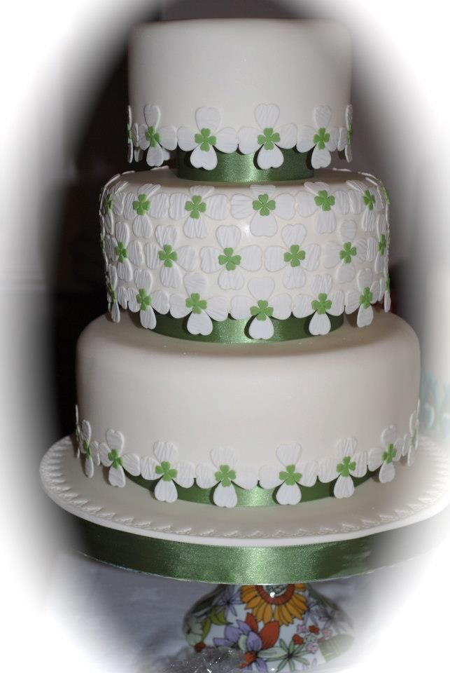 irish wedding cakes pictures best 25 wedding cakes ideas on 16485