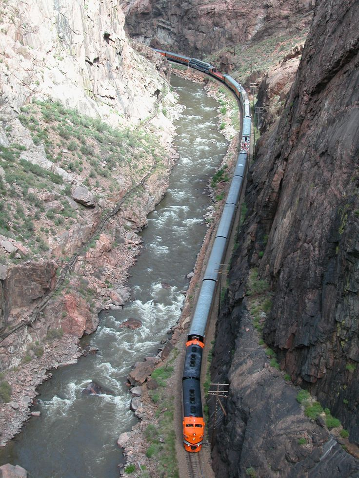 Royal Gorge, Colorado..wow i would love to see this ..i sometimes take the train to cali and get to see 5th hugest river in the world its awesome n scary at the same time