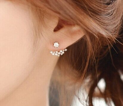 Minimalistic cluster ear cuff earrings. Very elegant and beautiful for any kind of event. Best gift for friend or beloved people people.  Avilable