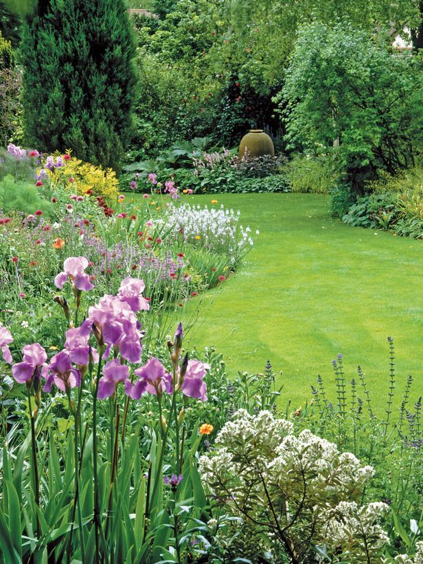 really want to cut in some lovely circular lawn shapes and surround them with ace planting :-)