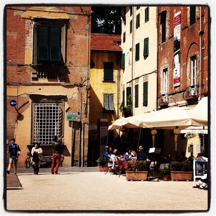 The most perfect way to spend a free afternoon and evening in the middle of the retreat.  Walking the gorgeous walled city of Lucca. xx Carole