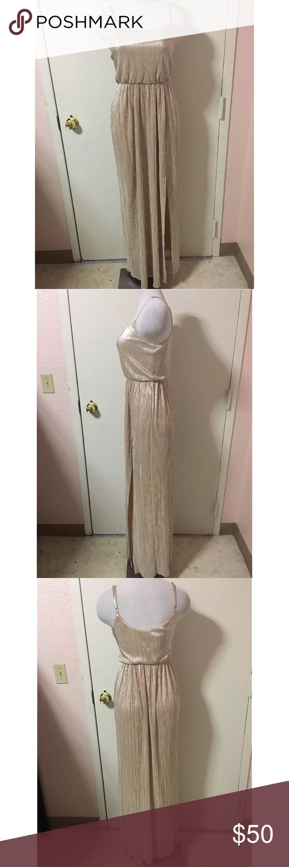 Cream Formal High Slit Maxi Formal Ball Gown Dress Previously Owned. In Good Condition. Size: XS Brand: BCBGeneration BCBGeneration Dresses Maxi