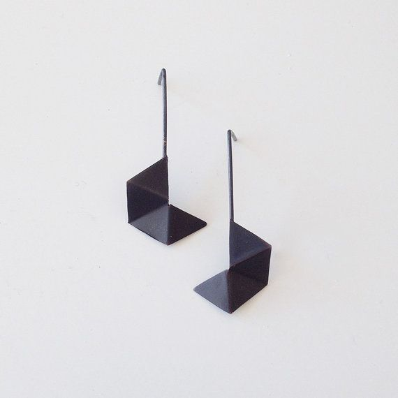 Oxidized Black Hexagon Geometric Earrings di RawObjekt su Etsy, $49.00