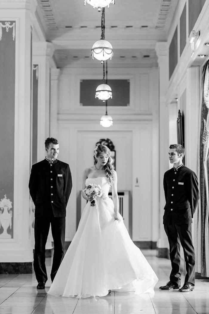 Maritime Inspiration im Atlantic Kempinski | Hamburg #Christina_Eduard_Photography #Hochzeit #Hotel_Atlantic_Kempinski #Hamburg #elegante_Hochzeit #Make_up #Brautfotos  #Braut_Styling