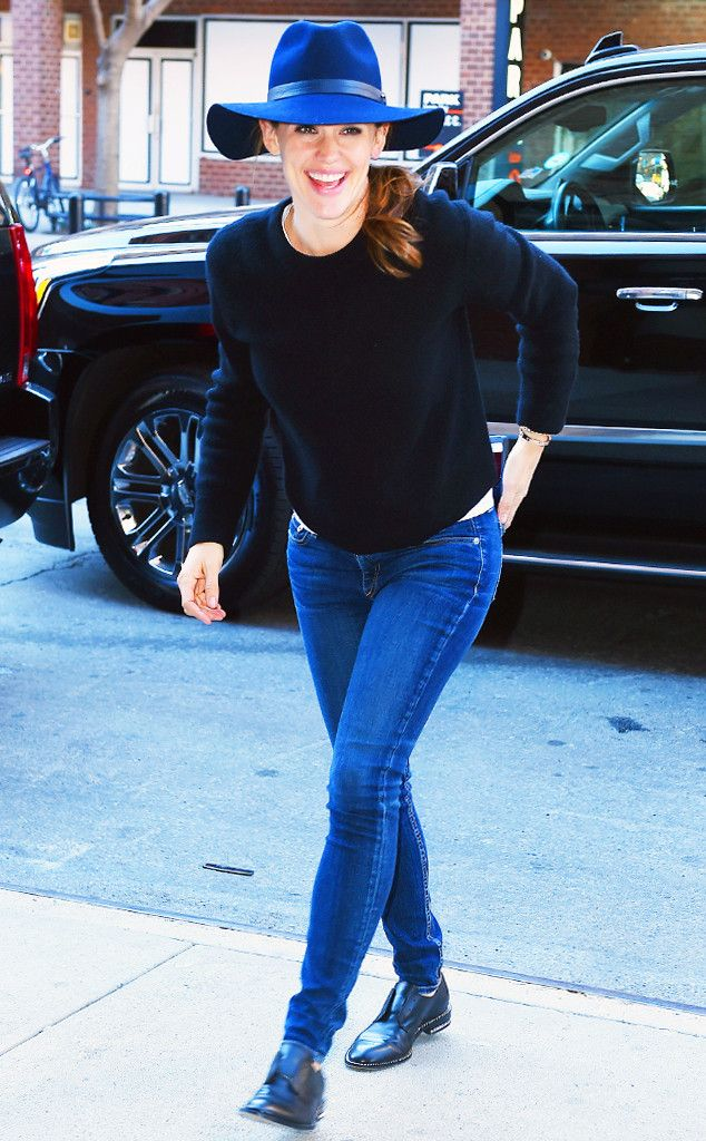 In Defense of Jennifer Garner's Mom Style  ESC: Jennifer Garner
