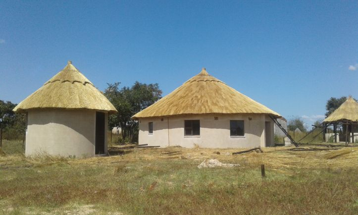Thatched Gazebo And Houses By The Best Thatching Company In Zimbabwe 0773974777 Or 0772389998 Village House Design African House Gazebo