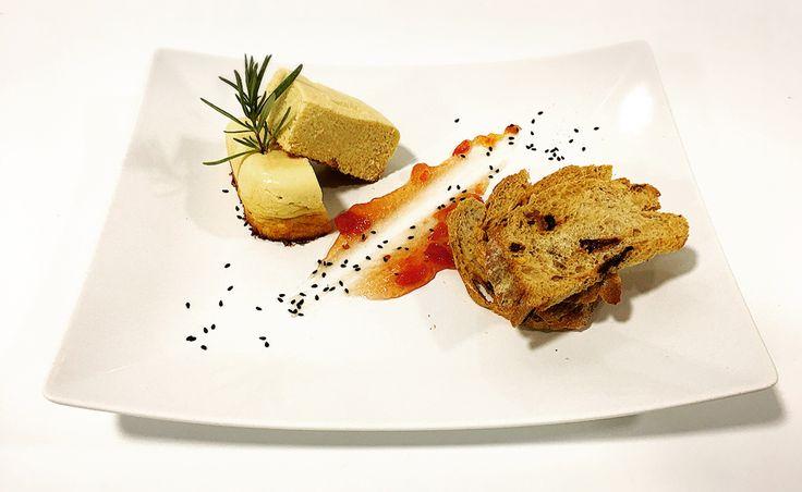 Pastel de puerros con pan de pasas