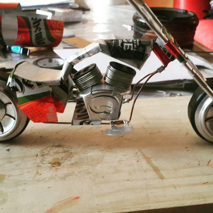 Moto chopper de latas de aluminio 30