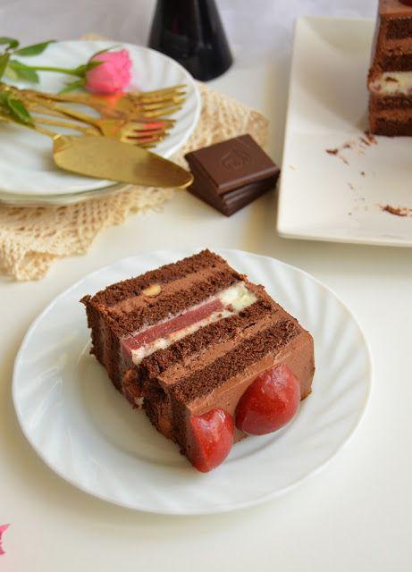 Biochimist La Cratita: Tort cu ciocolata, crema de lapte si jeleu de capsune