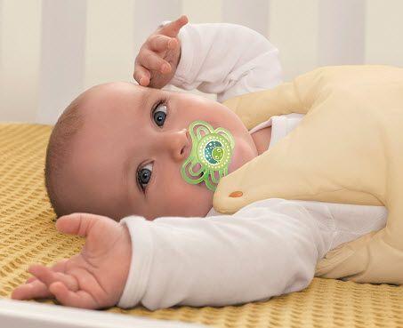 Herzlichen Glückwunsch, Dein Baby ist da! Ein Jahr voller Premieren liegt vor Euch. Vom ersten Lächeln bis zum ersten Schritt: Der ELTERN Babyentwicklungs-Kalender begleitet Euch Woche für Woche durchs 1. Lebensjahr. Um den Kalender zu aktivieren, gib bitte das Geburtsdatum Deines Babys ein und lass Dir die aktuelle Lebenswoche berechnen.