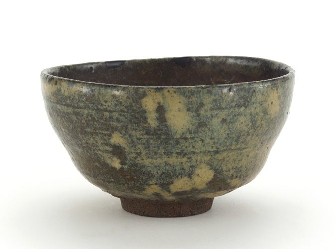Shodai ware rice bowl, used as tea bowl 1790-1850 Edo period Stoneware with bamboo-grass-ash glaze H: 6.6 W: 11.5 D: 11.5 cm Japan