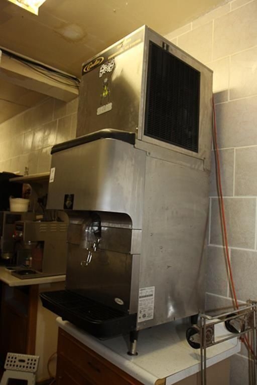 Gananoque (Ontario, Canada) Restaurant Liquidation Online Auction -Industrial Ice Maker