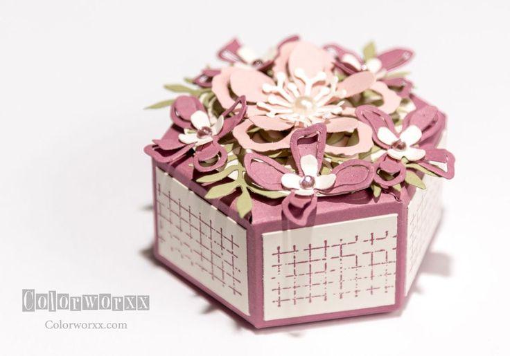Sechseckbox mit dem Gift Bag Punch Board (Höhe lässt sich varieren!, Verschluss mit Magnet)