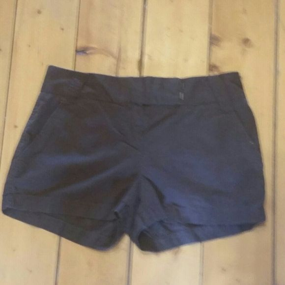 J.crew classic chino brown shorts size 2 EUC These are in excellent condition, they are a dark brown and are a size 2. Please contact me with any questions thanks  J. Crew Shorts