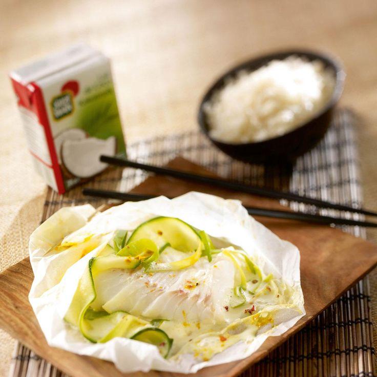 Préchauffez le four à 180°C (thermostat 6). Coupez en tranches fines les courgettes et émincez finement les poireaux.