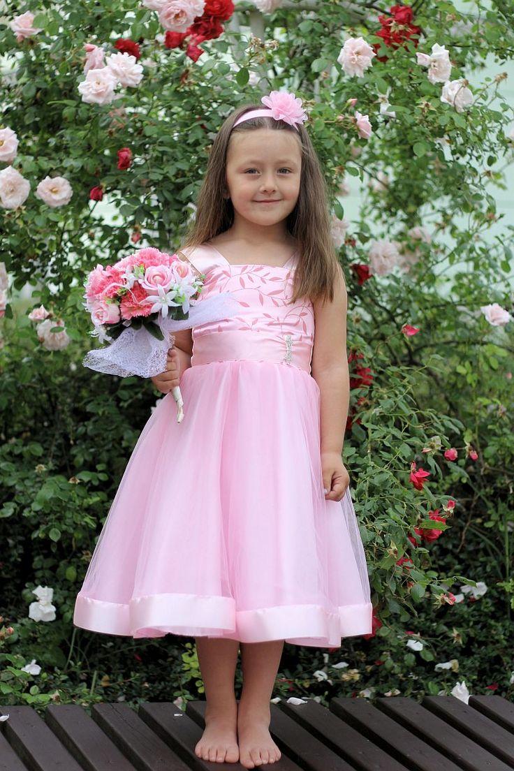 Dětské růžové šaty na svatbu - dětské šaty pro družičky - Půjčovna šatů- Svatební studio Nella- Česká Lípa