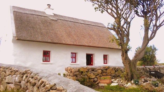 Irish Thatched Cottage – Spiddal, Co. Galway