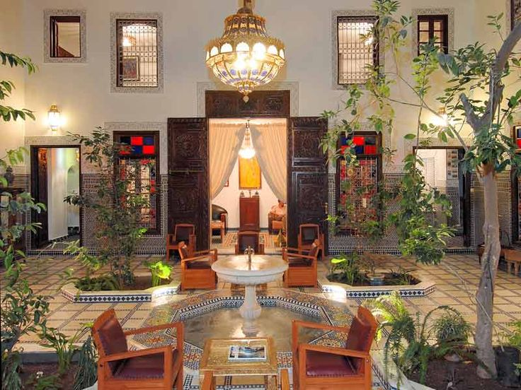 Riad Souafine is a really charming riad, located in Fes medina, on Ziat hill, the palace district. It enjoys an exceptional position near the historic center and offers an unforgettable view dominating all the medina.