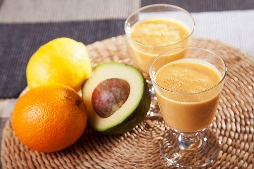 Πεντανόστιμο εύκολο smoothie με αβοκάντο, συνταγές για χορτοφάγους χωρίς γλουτένη