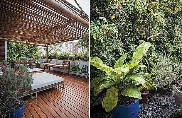 Cobertura | Sobre a pérgola de bambu há um plástico de estufa que bloqueia chuvas mais leves, mas permite a ventilação. Sofá com chaise, da L'Oeil, e o de  madeira, da Tribes (Foto: Gui Morelli)
