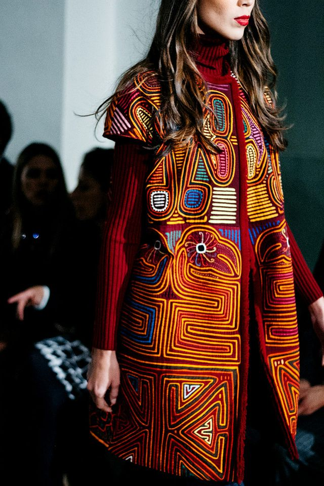 Amelia Toro en Bogota Fashion Week 2016 ~beautiful play of shape and colors~ c