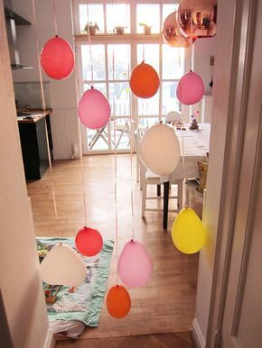 Birthday decoration, balloons in the doorway – Carrots for Claire