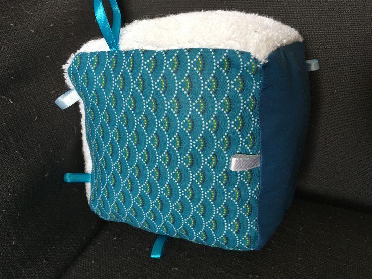 Cube éveil tissu bleu