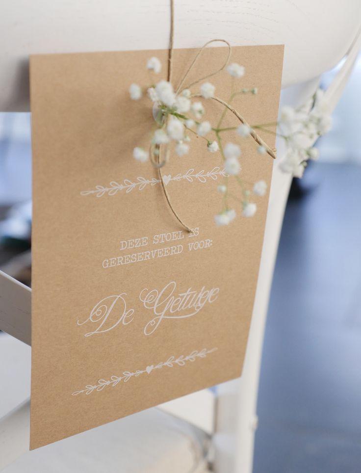 Loved designing this chair label / wedding styling! Wat een leuke aanvullende opdracht kreeg ik bij een trouwkaart! In de zelfde stijl als de trouwkaarten, mocht ik mooie stoelhangers/ labels ontwerpen...  Trouwen | stoelhanger | naambordje | label | vintage | styling | kraft | bruiloft | weddingstationary | wedding | wit | inkt | doodle | heart | hartje | boho | bohostyle | stijlvol | gipskruid | trouwhuisstijl | studio | uniek | kaartje | kaartenmetkarakter | dutch | design…