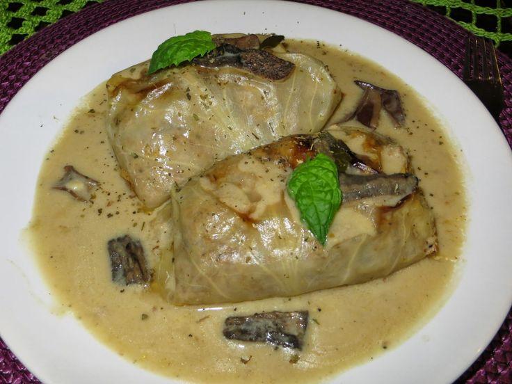Domowe ciasta i obiady: Gołąbki mięsne z kaszą gryczaną i sosem grzybowym