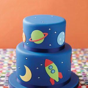 Festa Astronauta: 30 Inspirações para Bolos Espaciais