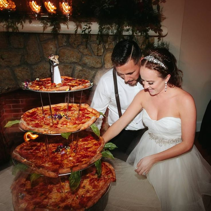 """3,228 Likes, 465 Comments - Wedding Chicks™ (@weddingchicks) on Instagram: """"OMG PIZZA WEDDING CAKE   What do you guys think! Use a  emoji to vote yes to this pizza cake and…"""""""