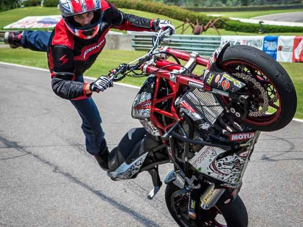 Motorcycles Bikers And More: Motorcycle Stunting Videos, Bike Stunt Tips And More