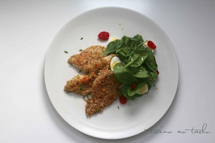 Chickenbreast with oatmeal and almond /Peito de frango panado com aveia e amêndoa