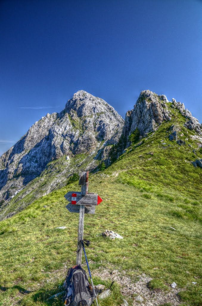 Alpi Apuane - foce di Giovo mt. 1500 e Pizzo d'Uccello (I need to hike here!!! howwww