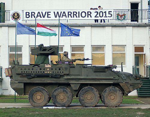 Szeptember közepétől október 21-ig tartott az amerikai hadsereg Németországban állomásozó 2. lövész (lovassági) ezrede és a tatai MH 25. Klapka György Lövészdandár Brave Warrior 2015 elnevezésű gyakorlata. A U.S. Army vilsecki 2. ezredének alapvetően felderítésre fókuszáló 4. százada Csehország és Szlovákia...