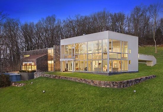 1970s Richard Meier-designed Orchard Hill modernist property in Mount Kisco, New York, USA