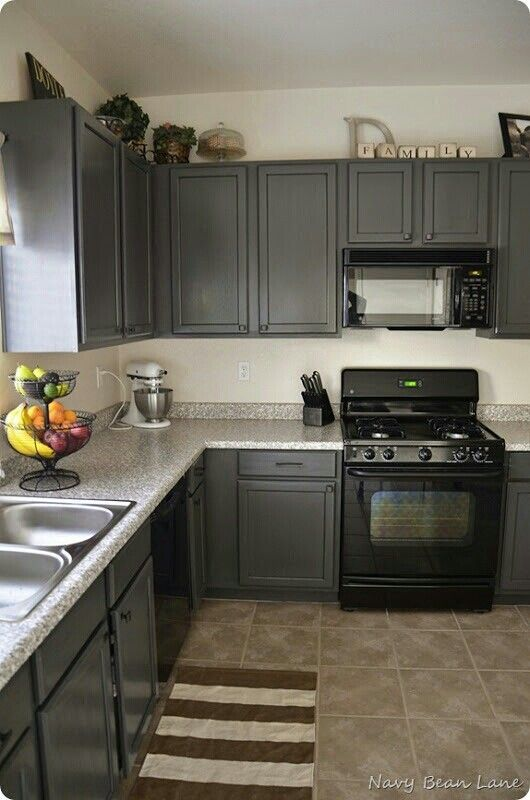 37 two tone kitchen cabinet ideas to avoid boredom in your home rh pinterest com