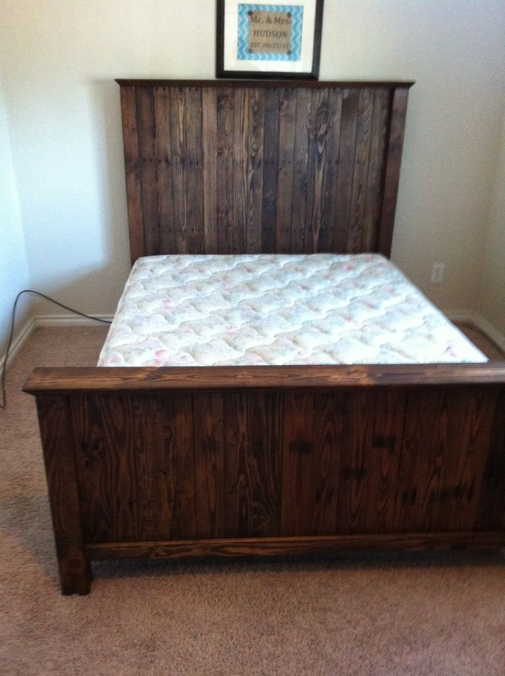 Do It Yourself Home Design: 4x4s And Pallet Headboard And Footboard