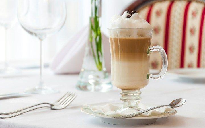 Un dessert libidinoso, da fare con il cuore. La ricetta della mousse al caffè è facilissima e veloce, per stupire senza faticare troppo ai fornelli!