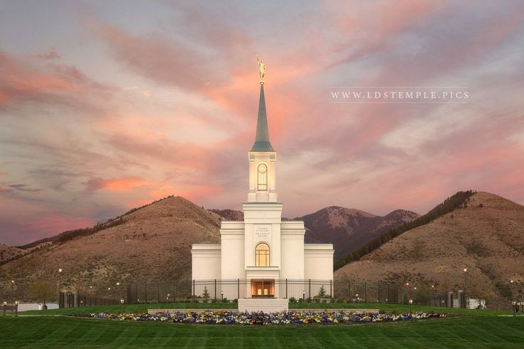 Star Valley Temple Fading Sunset - A beautiful sunset fades above the Star…