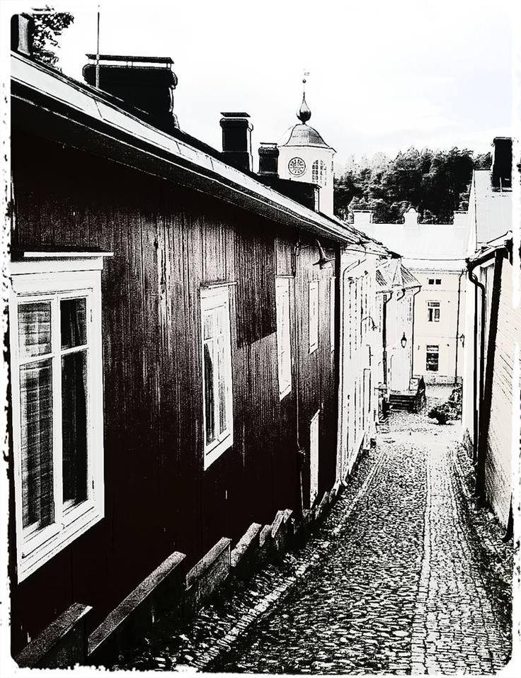 Old Porvoo alley black & white