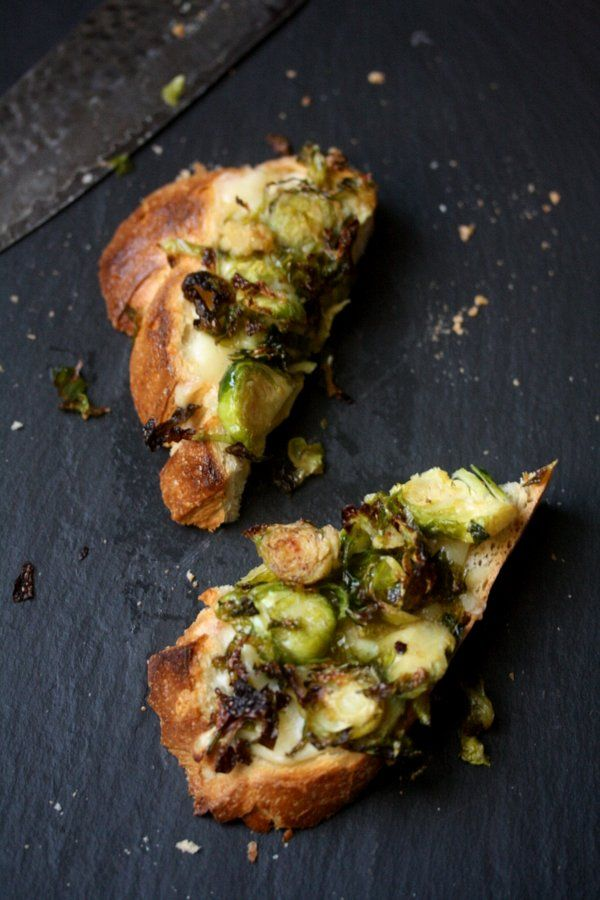 Roasted Brussels Sprout and Gruyere Toasts: Sprouts Bruchetta, Sprouts Toast, Recipe, Gruyer Toast, Roasted Brussels Sprouts, Gruyer Crostini, Brussel Sprouts, Food Drinks, Gruyer Brussels