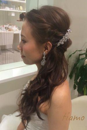 サイドダウンでWedding Party☆美男美女の素敵なお二人 の画像|大人可愛いブライダルヘアメイク『tiamo』の結婚カタログ