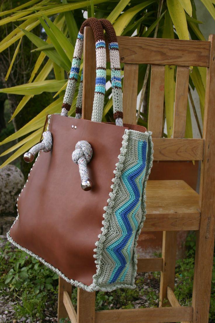 Tasche gehäkelt mit Blachen-Einsatz